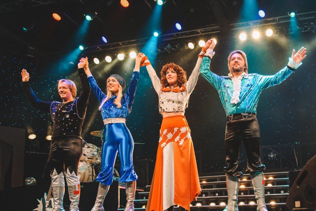 ABBA auf der Showbühne des Estrel in Berlin